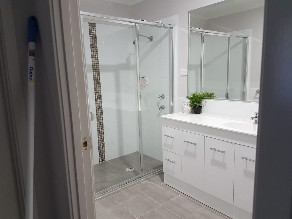 From Chaos to Pristine - A Bathroom Make-Over 5