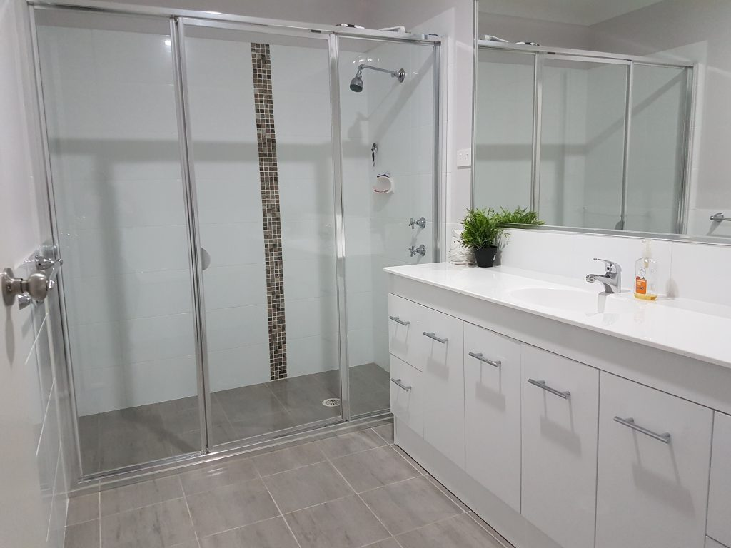 From Chaos to Pristine - A Bathroom Make-Over 7
